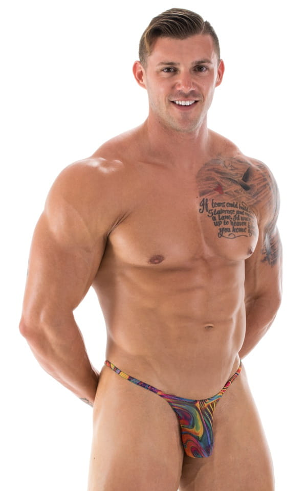 Men's Swimwear Whether you are a competitive swimmer or a more casual beachgoer, Speedo USA has the men's swimming apparel, gear and equipment you need as well. Choose from the latest designs of swim goggles and swim caps so you are at your best when swimming laps.